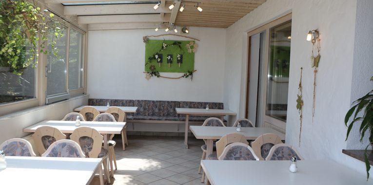 Wintergarten-Tische