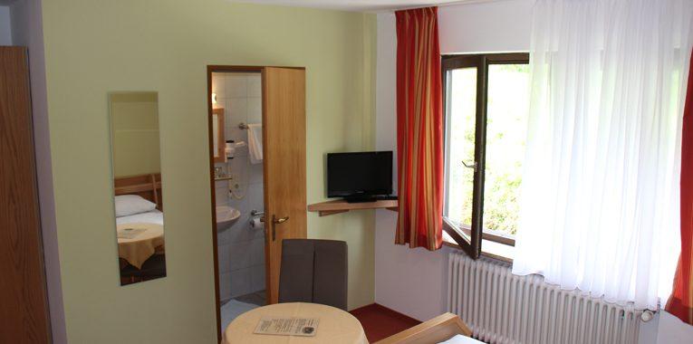 Zimmer-mit-Bad